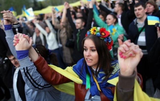 Фото: 50% українців не підтримують ідею надання Донбасу особливого статусу