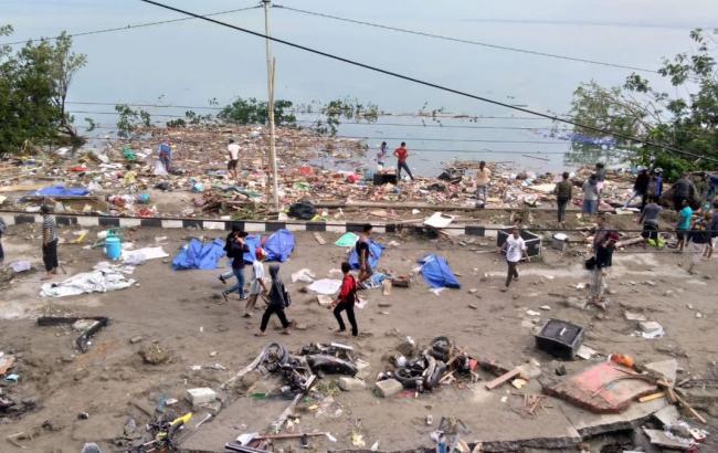 В результате землетрясения и цунами в Индонезии погибли по меньшей мере 48 человек