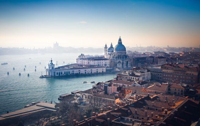 Турникеты, камеры и платный въезд в город. Почему в Венеции хотят бороться с переизбытком туристов