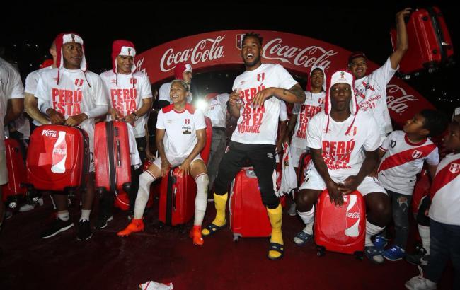 Фото: сборная Перу празднует выход на ЧМ-2018 (twitter.com/SeleccionPeru)
