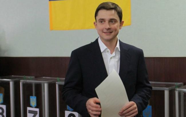 Довгий скуповує голоси за відставку Наливайченка, - нардеп