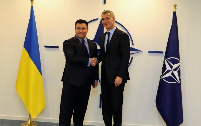 Клімкін зустрівся з генсеком НАТО
