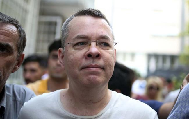 Суд Туреччини звільнив пастора США Брансона