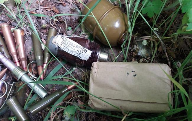 Фото: обнаруженные боеприпасы (dpsu.gov.ua)