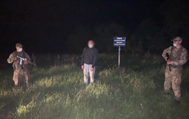 Назвався українцем та закопав паспорт: у Сумській області прикордонники затримали росіянина