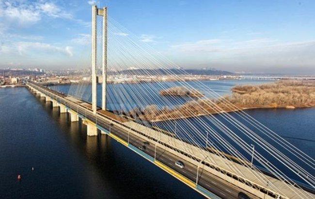 Фото: Южный мост в Киеве (twitter.com/kmda_official)