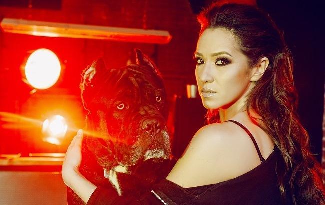 СобакаХіт: Наталка Карпа презентувала експериментальну пісню в колаборації з Тарасом Тополею