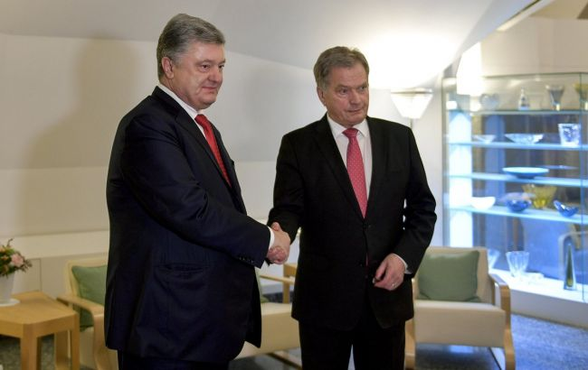 Фото: Петр Порошенко и Саули Ниинистьо (twitter.com/STsegolko)