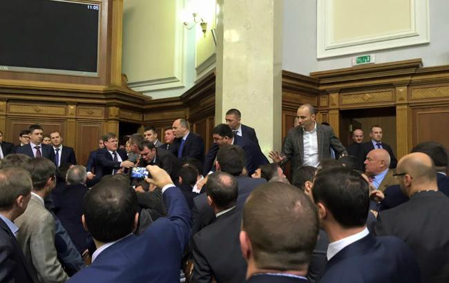 Яценюк просит Гройсмана растянуть Час вопросов к правительству в три раза