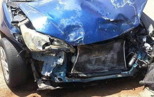 В Индии при столкновении легкового автомобиля с грузовиком погибли 12 человек