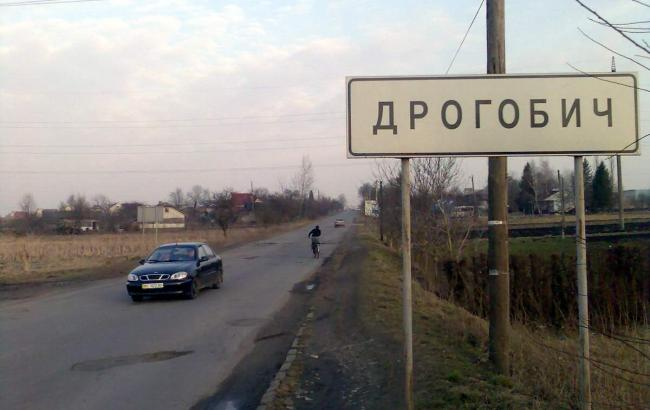 Фото: на трасі під Дрогобичем вибухнув автомобіль