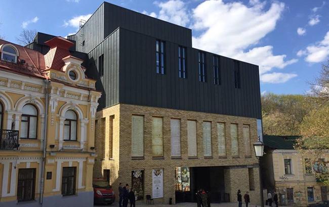 Президент открыл скандальный Театр на Подоле: Стало известно, сколько миллионов вложено в его строительство