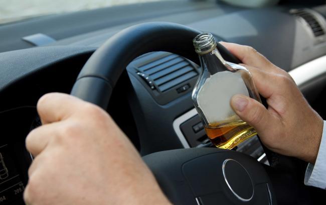 Фото: Пьяный водитель (viteze.ro)