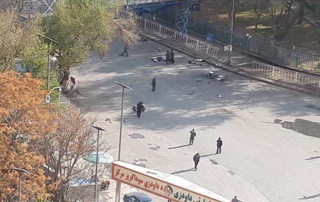 У Кабулі смертник підірвався в натовпі, шестеро людей загинули