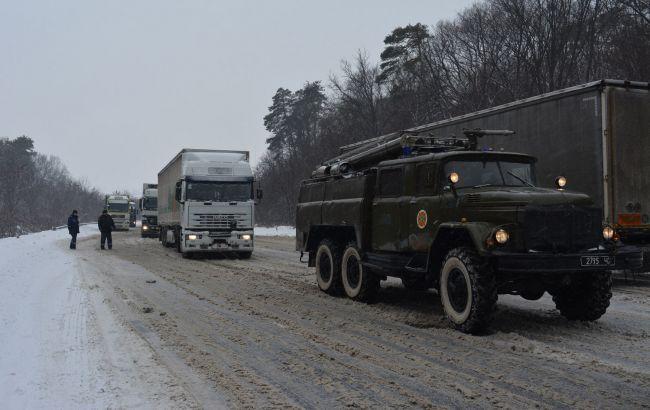 Фото: украинские спасатели на дорогах