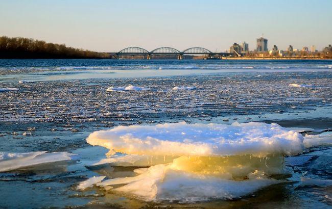 Фото: льодохід на Дніпрі