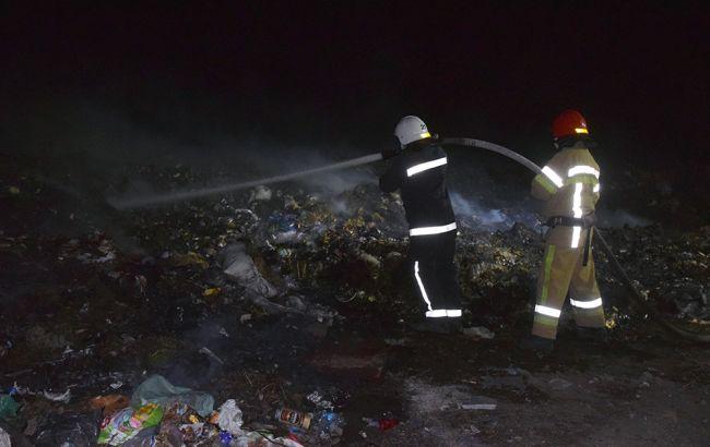 У Миколаївській області горить сміттєзвалище, на об