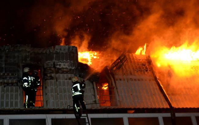 Фото: в результате пожара в Одессе повреждены 10 квартир