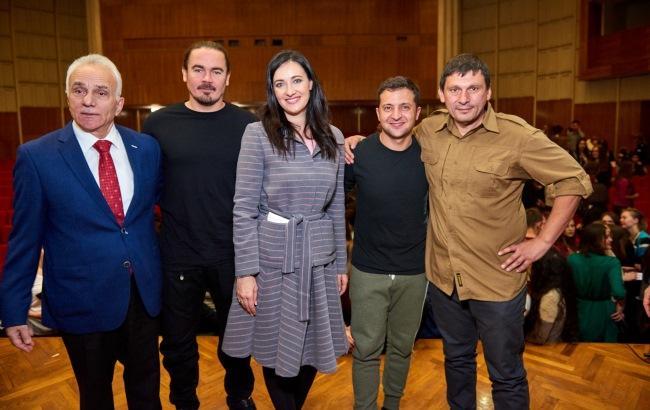 """Фото: Учасники проекту """"Ті, що вражають"""" (прес-служба 1+1)"""
