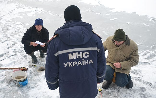 У Харківській області діти провалилися під лід, двоє загинуло