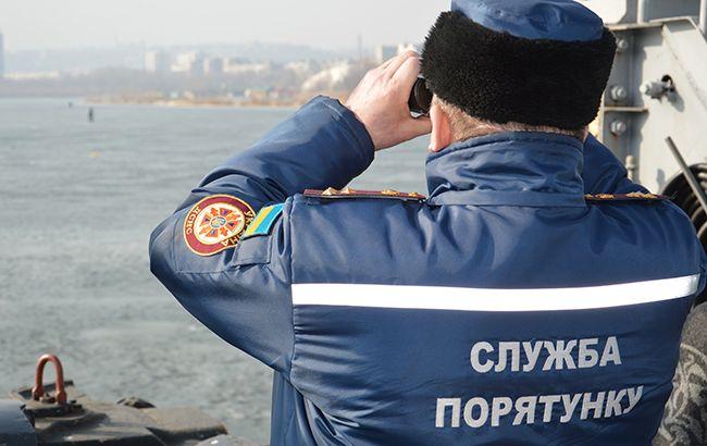 У Києві витягли з озера тіло чоловіка