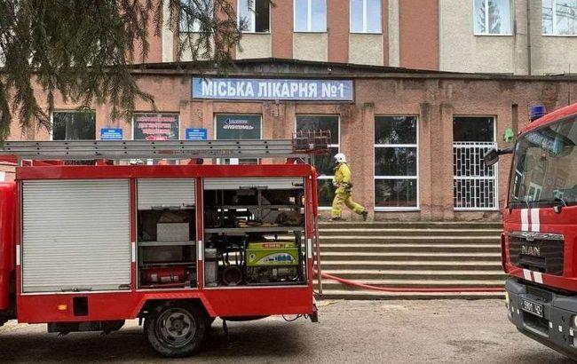 Спирт та кип'ятильник: названо причину пожежі в лікарні Чернівців