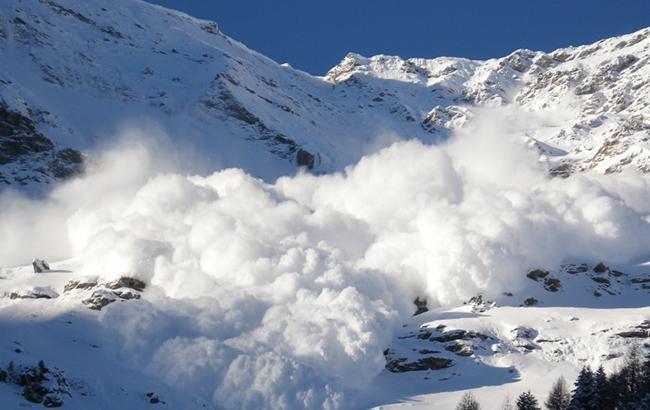 Фото: лавина в Карпатах (dsns.gov.ua)