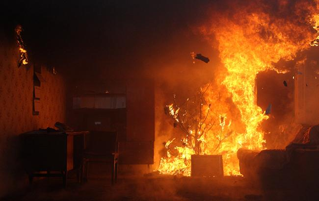 В гуртожитку хмельницького коледжу сталася пожежа (відео)