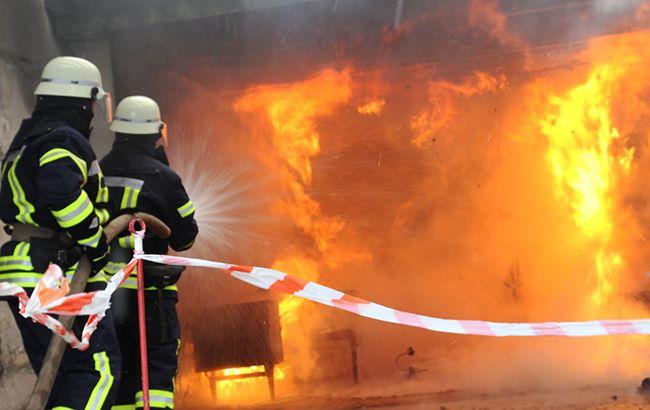Во Львовской области горит завод