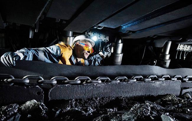 Фото: добыча угля (dtek.com)