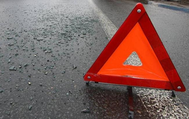 В Киевской области иностранный байкер выехал на встречную полосу и врезался в автомобиль