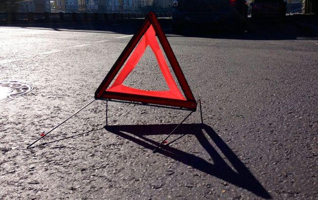 ВоЛьвовской области автомобиль столкнулся сэкскурсионным автобусом