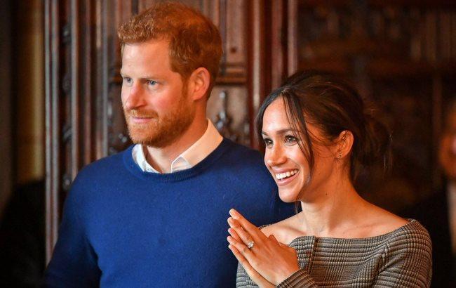 Кенсінгтонський палац повідомив час одруження. Королівське весілля принца  Гаррі та американської актриси Меган Маркл відбудеться 19 травня 2018 року. 86569be161c4c