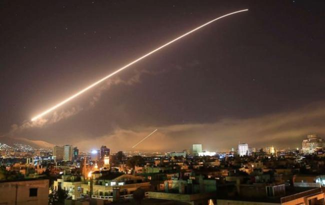 У Сирії збили кілька ракет в небі над Дамаском