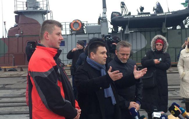 Клімкін і глави МЗС Чехії та Данії провели переговори з керівництвом Маріупольського порту