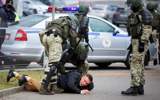 У Мінську на марші почалися перші затримання