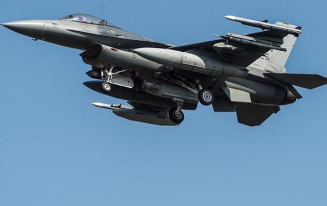 Посол Канады опроверг информацию о предложении поставок истребителей F-18 в Украину