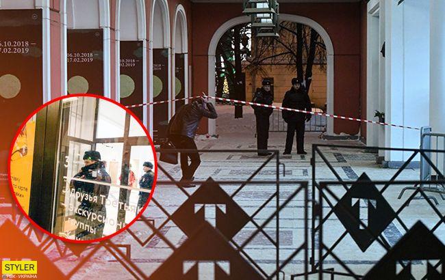 Серед білого дня: грабіжник виніс з музею картину у всіх на очах