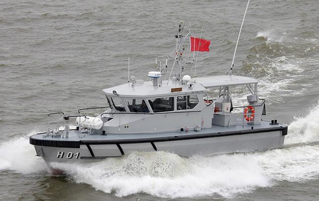 Фото: лодка с мигрантами (products.damen.com)