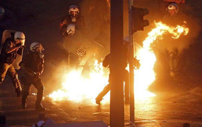 В Греции начались столкновения протестующих с полицией