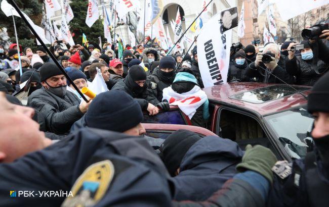 Протест ФОПів у Києві: між протестувальниками та поліцією стались сутички
