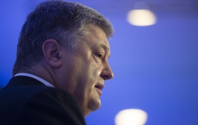 Порошенко: Украина должна усилить свою обороноспособность