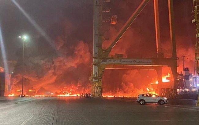 У порту Дубаї стався потужний вибух