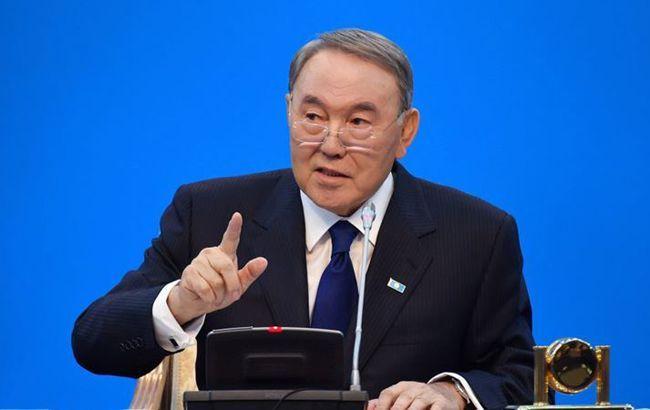 Назарбаєв пішов у відставку