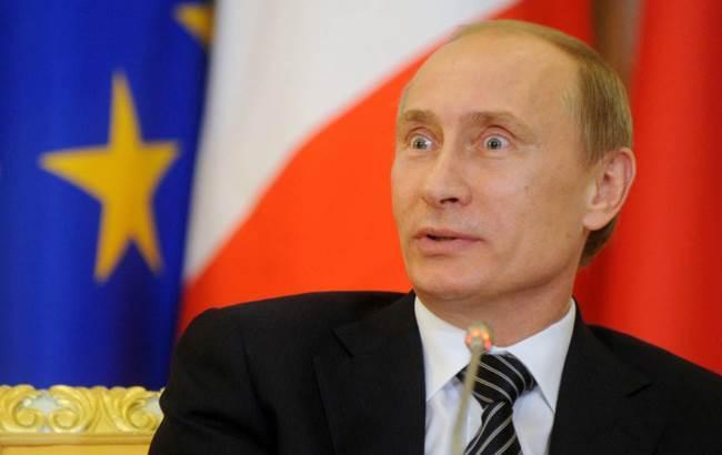 """Фото: Путін поскаржився на """"літаючих собак"""" (thequestion.ru)"""