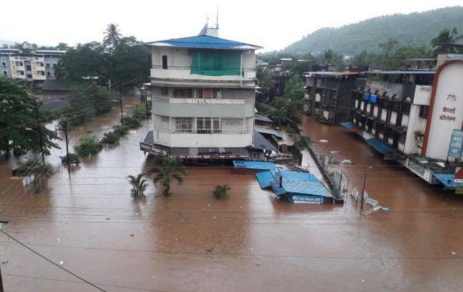 Индию накрыли наводнения и оползни: 159 человек погибли