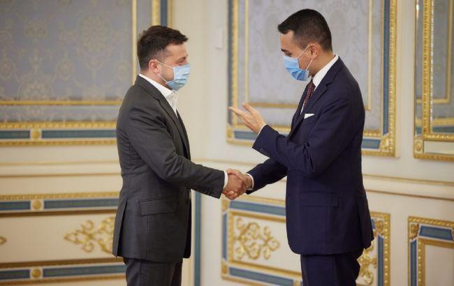 Зеленский призвал усилить международное давление на РФ из-за ее позиции по Донбассу