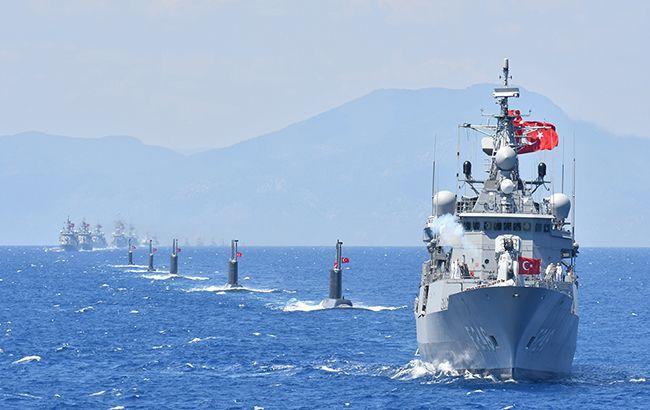 Туреччина почала масштабні військові навчання в трьох морях