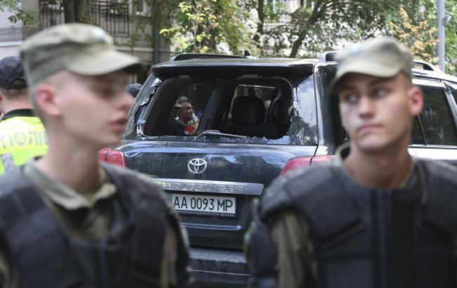 За фактом пошкодження авто нардепа в центрі Києва порушено справу