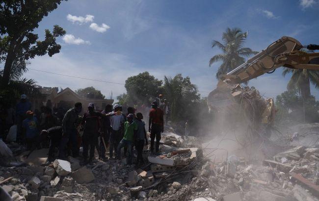 Землетрясение в Гаити привело к протестам: люди требуют еды и лекарств